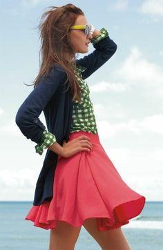 Falda roja + blusa verde