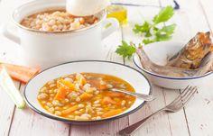 Φασολάδα παραδοσιακή με καπνιστή ρέγκα Chana Masala, Cheeseburger Chowder, Soup, Cooking, Ethnic Recipes, Baking Center, Koken, Soups, Cook