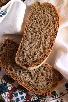 Paine din faina de hrisca Barley Recipes, Yummy Food, Tasty, Doughnuts, Food Inspiration, Gluten, Healthy Recipes, Bread, Vegan