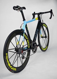 As a beginner mountain cyclist, it is quite natural for you to get a bit overloaded with all the mtb devices that you see in a bike shop or shop. There are numerous types of mountain bike accessori… Mtb, Road Cycling, Cycling Bikes, Bike Kit, Push Bikes, Cool Bike Accessories, Bike Frame, Road Bikes, Bike Design