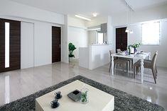 ベアーズコート桑江モデルルーム リビング・ダイニング Dining Area, Home Diy, Kitchen Design, House Design, Living Room Designs, Interior, Living Room Decor, Grey Flooring, Room