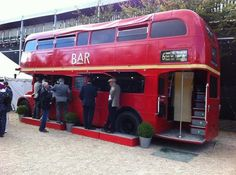 The bus bar at Goodwood Revival - Coffee bar? Bar A Vin, Café Bar, Mobile Cafe, Mobile Shop, Coffee Carts, Coffee Shop, Bus Restaurant, Coffee Food Truck, Mobile Catering