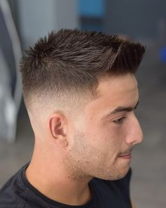 7 Men's Hairstyles for Short Hair Short haircuts are stylish and easy to wear. Check out these pictures of men's hairstyles for short hair for 7 cool and on trend looks for work and play. Short Quiff, Short Fade Haircut, Best Short Haircuts, Haircuts For Men, Short Hair Cuts, Boy Short Hair, Mens Fade Haircut, Quiff Haircut, Medium Haircuts