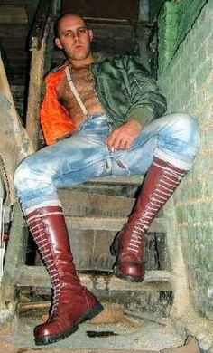 Mode Skinhead, Skinhead Men, Skinhead Boots, Bomber Jacket Men, Bomber Jackets, Leather Skin, Leather Pants, Zerfetzte Jeans, Bad Men