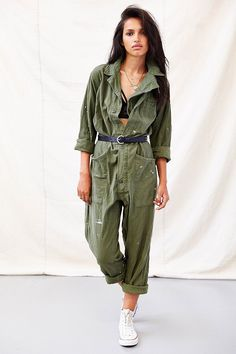 Urban Renewal Union Suit Jumpsuit - Too pretty for the military? Mechanic Jumpsuit, Urban Outfitters Jeans, Jumpsuit Outfit, Jumpsuit Style, Boiler Suit, Zadig, Military Fashion, Military Style, Military Jacket