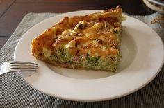 Even weer een receptje. Deze keer ook met Alpro Soja Cuisine, maar dan een warme variant.  Deze hartige taart is altijd een succesnummer ...