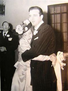 Gloria DeHaven and John Payne on their wedding day December 28, 1944