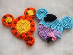 Disney Winnie the Pooh, Mickey Mouse ears crochet pattern, christmas crochet Disney Ornaments, Crochet Christmas Ornaments, Holiday Crochet, Winnie The Pooh Friends, Disney Winnie The Pooh, Crochet Crafts, Crochet Projects, Sewing Projects, Minnie Y Mickey Mouse