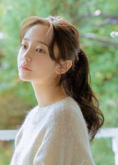 Pretty Korean Girls, Cute Korean Girl, Hairstyles With Bangs, Girl Hairstyles, Korean Hairstyles Women, Korean Beauty, Asian Beauty, Ulzzang Hair, Korean Girl Photo