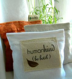 recycled-T-shirt pillows for my abode. what a good idea.