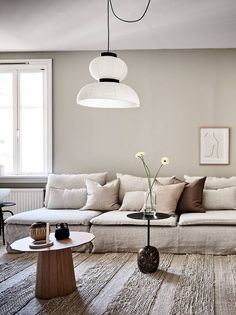 In order to provide your own living room a totally one-of-a-kind look, uniquely designed wall pieces is the … Beige Living Rooms, Interior Design Living Room, Living Room Designs, Living Room Decor, Bedroom Decor, Söderhamn Sofa, Design Minimalista, Contemporary Interior Design, Simple Interior