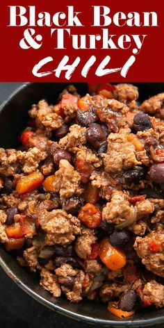 Recipes Ground Turkey Here's an EASY chili recipe to add to your list! It's made with black beans and ground turkey, and only takes 15 minutes to throw together. Make it to warm you up on a chilly winter day or for your next Super Bowl party! Turkey Chilli, Ground Turkey Chili, Healthy Ground Turkey, Easy Ground Turkey Recipes, Smoked Turkey Chili Recipe, Healthy Turkey Chili, Ground Turkey Dinners, Ground Turkey Meal Prep, Super Bowl Party