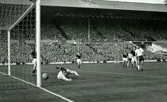 England 9 Scotland 3 in April 1961 at Wembley. England captain Johnny Haynes makes it 6-3 after 78 minutes #HomeChamp