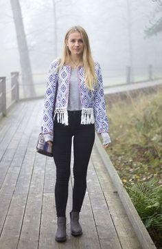 Pretty Jasmin in blue geometric open-front blazer. Get her look here. | Lookbook Store OOTD #LBSDaily
