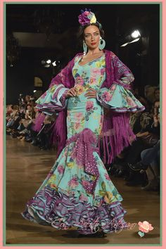 I am not a fan of purple but with the turquoise blue, looks fab! Ballroom Dance Dresses, Flamenco Dresses, Flamenco Costume, Fashion Art, Womens Fashion, Fashion Design, Spanish Dancer, Spanish Fashion, Black Prom