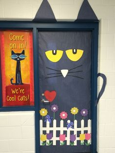Think Spring Pete The Cat For Your Classroom Door Bulletin Board Door Bulletin Boards, Spring Bulletin Boards, Preschool Bulletin Boards, Preschool Library, Preschool Classroom, Preschool Activities, Preschool Door, Monster Classroom, Kindergarten