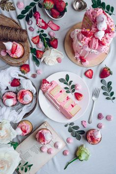 dorsnt yielf a ton of cake. White Cake with Pink Frosting and Strawberry + Meringue Kisses Slow Cooker Desserts, Sweet Recipes, Cake Recipes, Dessert Recipes, Nake Cake, Strawberry Meringue, Strawberry Shortcake, Pink Frosting, Cake Photography
