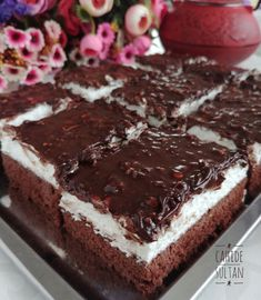 Pamuk pasta easy and delicious oreo brownie trifle Oreo Desserts, Pudding Desserts, Sweet Desserts, Easy Desserts, Dessert Recipes, Cake Recipes, Easy Easter Recipes, Mousse Au Chocolat Torte, Herb Roasted Turkey