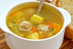 How to cook a delicious soup with meatballs and the addition of semolina. Meatball Soup, Homemade Facials, Home Recipes, Cheeseburger Chowder, Mashed Potatoes, Main Dishes, Good Food, Food And Drink, Cooking