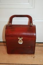 Vintage 1950s American amber/brown perspex box bag.  Amber lunchbox purse?!  [No, I don't care if it wasn't a handbag - it would be if I owned it!]