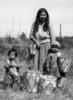 Native American Children, Native American Images, Native American Beauty, American Indian Art, Native American Tribes, Native American History, American Indians, American Symbols, Sioux