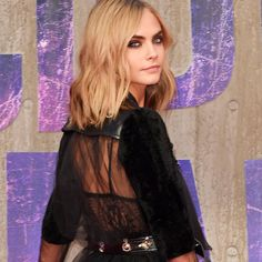 Gorgeous Cara Delevingne looking smokin' hot in #mcqueen for the Suicide Squad…