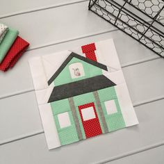 House Quilt Patterns, House Quilt Block, Paper Pieced Quilt Patterns, Quilt Block Patterns, Pattern Blocks, Quilt Blocks, Patchwork Quilting, Farmhouse Quilts, Thing 1