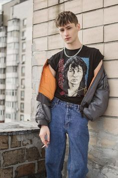 Bogdan romanovic at name management by olga beznos men fashion, normcore fashion, street Fashion Kids, Fashion Outfits, Fashion Wear, Men Fashion, Trendy Outfits, Men Street, Street Wear, Style Année 90, 80s Style Men