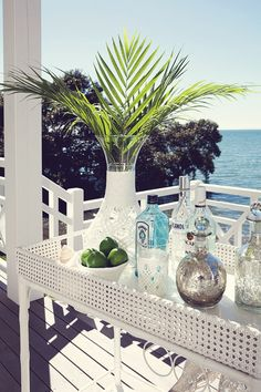 Set up your summer entertaining by painting all old wicker with a fresh coat of white spray paint