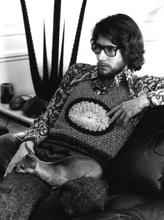 Monsieur Yves Saint Laurent wearing a crochet vest in his home in Paris in 1970 Paolo Roversi, Peter Lindbergh, Yves Saint Laurent, Christian Dior, Lauren Hutton, Another Love, Helmut Newton, Cat People, Crochet Fashion