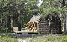 Danish non-profit organization Realdania Byg commissioned Vandkunsten architecture studio to design a holiday house that combines the most up-to-date construction techniques with local traditional materials. The architects designed and built a traditional house clad in seaweed—a material that was once used in hundreds of homes on then Danish island of Læsø, of which only 20 remain today.