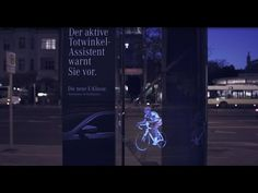 To raise awareness of the dangers of blind spots, Mercedes-Benz created the world's first outdoor holographic prism in Berlin with WallDecaux.