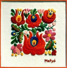 Embroidery from Kalocsa Hungary Hungarian Embroidery, Learn Embroidery, Crewel Embroidery, Embroidery Patterns, Machine Embroidery, Stitch Head, Chain Stitch Embroidery, Lesage, Embroidery Techniques