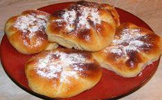Placinte cu branza si stafide Hamburger, Pancakes, Deserts, Muffin, Appetizers, Bread, Breakfast, Food, Romanian Recipes