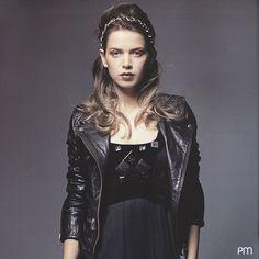 La chaqueta modelo Acapulco , esta en colores negro y gris, una maravilla ! 100% cuero legítimo