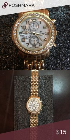 BELLA & ROSE WATCH BELLA & ROSE WATCH, Watch is gold tone, older, some surface scratching, but in good condition and works. Accessories Watches