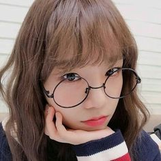 Find images and videos about kpop, ulzzang and idol on We Heart It - the app to get lost in what you love. Korean Girl, Asian Girl, Eyes On Me, Sakura Miyawaki, Uzzlang Girl, Japanese Girl Group, The Wiz, Kpop Girls, Yuri