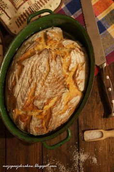 my passions: Fragile sourdough bread baked in a cast iron pot Bread Machine Recipes, Bread Recipes, My Favorite Food, Favorite Recipes, Polish Recipes, Sourdough Bread, Bread Baking, Food To Make, Bakery