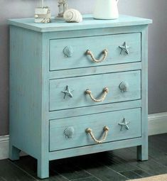Rustic Dresser Designed for a Beach Enthusiast. Just a picture. No tutorial posted* Rustic dresser for a beach lover. Only a picture. No tutorial posted * Coastal Bedrooms, Coastal Living Rooms, Small Bedrooms, Beach Cottage Bedrooms, Coastal Curtains, Coastal Bedding, Modern Bedrooms, Condo Living, Trendy Bedroom