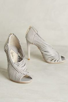 Guilhermina Muara Heels Light Grey Heels // www. Pretty Shoes, Beautiful Shoes, Cute Shoes, Me Too Shoes, High Heels Stiletto, Stilettos, Strappy Sandals, Grey Heels, Fashion Shoes