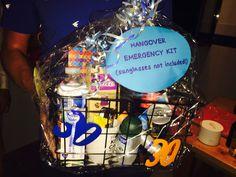 Hangover emergency kit Deo, koffie, vitamines, energie drink, aspirine, tandenborstel, kauwgom, etc.