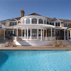 Hamptons Beach House - Quogue, New York, like lattice work Hamptons House, The Hamptons, Villas, Porches, Houses Architecture, House Makeovers, Dream Beach Houses, Residential Architect, Dream House Interior