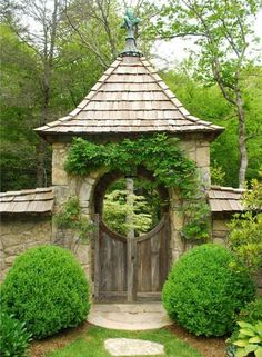 Wonder if I can work this gate into my landscape.....