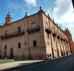 Edificio del Arzobispado en el centro de Morelia. #morelia #michoacan #mexico (en Morelia Michoacán Centro)