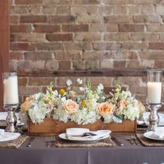 Love the wood box thing! Head table decor