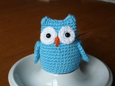 FebruarFrost Eierwärmer Eule von Wollhanne auf DaWanda.com Crochet Cozy, Crochet Hats, Big Knits, Easter Crochet, Projects To Try, Owl, Beanie, Textiles, Etsy