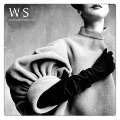 1950'li yıllarda kadınlar, gündüz deri eldivenler gece ise uzun ipek eldivenler giyiyordu.