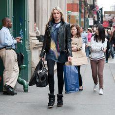 Moda de Rua: Jaqueta de Couro Preta - Street Fashion: Leather Black Jacket