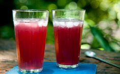 Drinque é feito com vodca, água com gás e xarope de frutas vermelhas