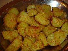 Como a grande maioria das minhas receitas, essa é bem fácil ! As batatas ficam com um visual tentador, super macias, com uma casquinha salga...